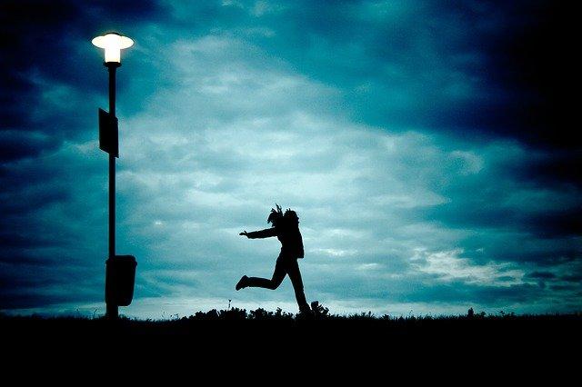 běh v noci
