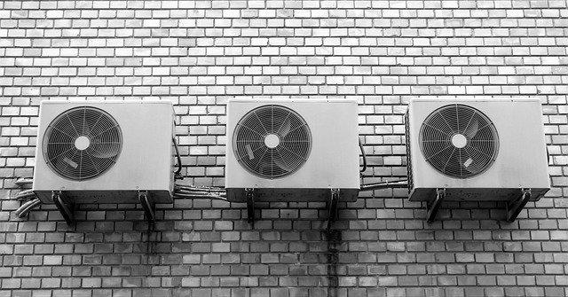 tři ventilátory