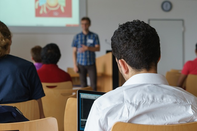 studenti na semináři