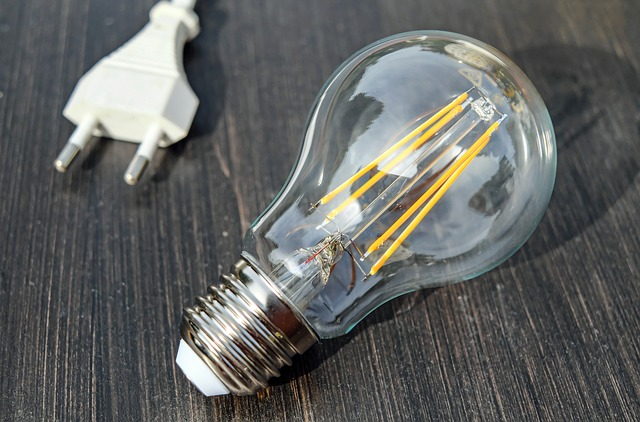 LED diodová žárovka